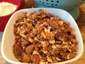 Breakfast granola - honey & almond.